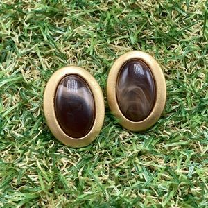Vintage matte gold oval gemstone marble brown